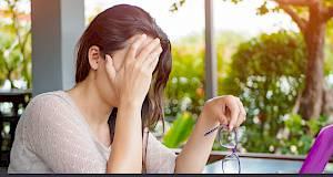 Izbjegavajte ovih 10 namirnica koje uzrokuju migrenu!