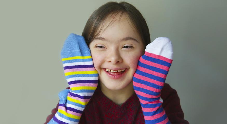 Evo zašto se na Svjetski dan osoba s Downovim sindromom nose šarene čarape!  - CentarZdravlja