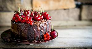 Čokoladna mousse torta s trešnjama