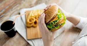 Restorani brze prehrane blizu posla ili doma povezani su s pretilošću